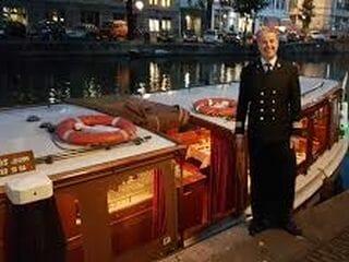 Grachtenfahrt mit Abendessen im klassischen Salonboot
