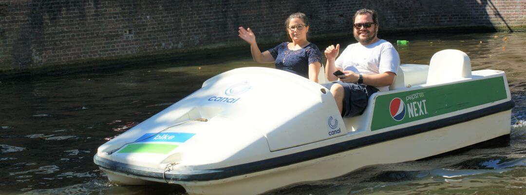 Grachtentour Amsterdam Tretboot Elektroboot mieten Kajak SUP